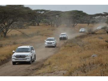 スズキ、日野自動車、トヨタ車体のメンバー76名が、2カ月でアフリカ大陸1万0600kmを走破した