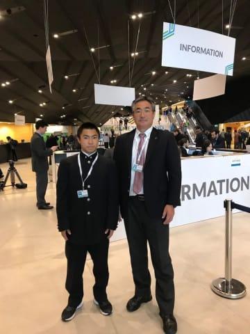 COP24に参加した佐野高ラグビー部監督の石井さん(右)と主将の渡来さん