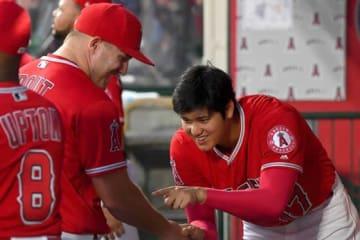 エンゼルスの看板選手として期待されているトラウト(左)と大谷【写真:Getty Images】