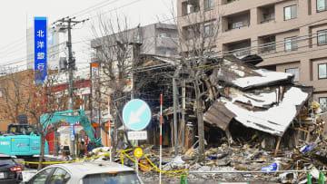 爆発のあった札幌市豊平区の現場=21日午後