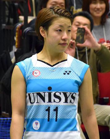 今月末で退社する日本ユニシスで最後の試合を終え、涙を浮かべる奥原希望(島津アリーナ京都)