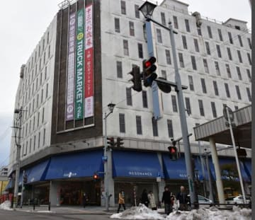 再開発事業が検討されている中三青森店=青森市新町1丁目