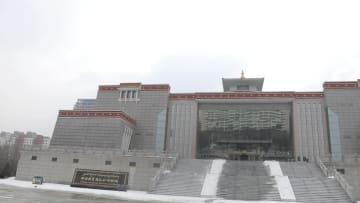 チベット族文化の「百科全書」大型仏画を鑑賞 青海省