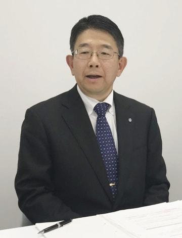 記者会見するホシザキの小林靖浩社長=14日午後、名古屋市