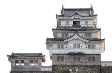 1718年の再築城から300周年を迎えた平戸城=平戸市岩の上町