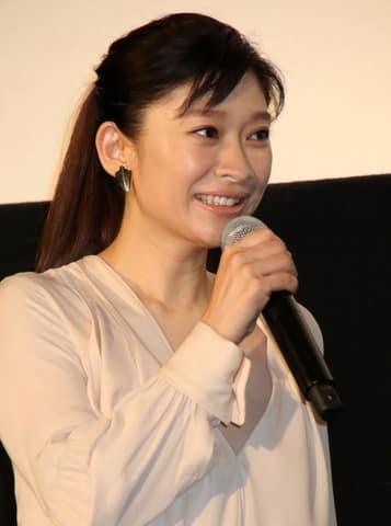 「第43回報知映画賞」の主演女優賞を受賞した篠原涼子さん