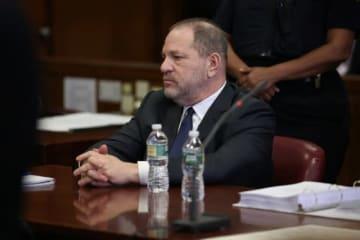 12月20日、米ニューヨーク州最高裁判所は、ハリウッド映画界の元大物プロデューサー、ハーヴェイ・ワインスタイン被告(66、写真)による女性3人への性的暴行容疑について、告訴棄却を求める同被告の訴えを拒否した。 - (2018年 ロイター/Alec Tabak)