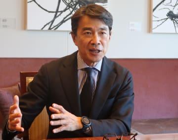 米コールバーグ・クラビス・ロバーツ日本法人の平野博文社長