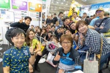 写真左上から栗村修さん、福田萌子さん、野島裕史、今中大介さん(右)