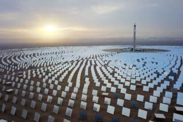 10万キロワット級の太陽熱発電所、敦煌に完成