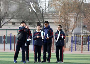 「運動会」で科学技術の魅力を体感 河北省石家荘市