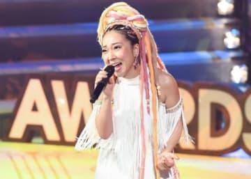 「第60回 輝く!日本レコード大賞」で歌唱するMISIAさん