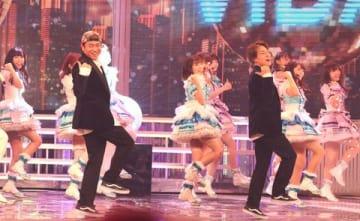 """「第69回NHK紅白歌合戦」のリハーサルで""""いいねダンス""""を披露した「Aqours」ら"""