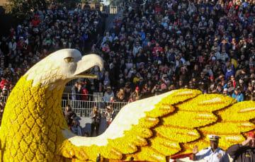 ローズパレード開催 米カリフォルニア州