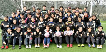 攻撃的サッカーで優勝を目指す女子福井工大福井=福井県あわら市の福井工大あわらキャンパスグラウンド