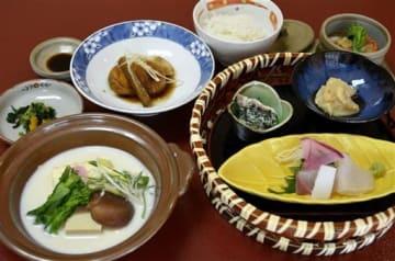 金栗四三がよく食べていた豆腐料理がメインの「韋駄天御膳」=和水町