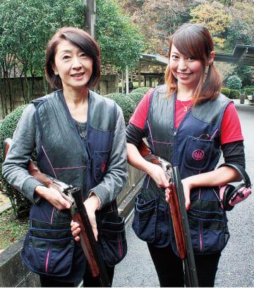 狩りガールの正田さん(右)と後藤さん