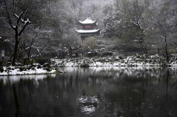 岳麓山が雪化粧 湖南省長沙市