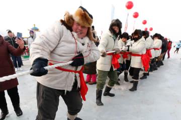冬の漁獲イベントが人気 内モンゴル自治区ダライ·ノール
