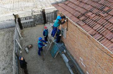 浙江省の「小草」電気ボランティアチーム、吉林省で活動