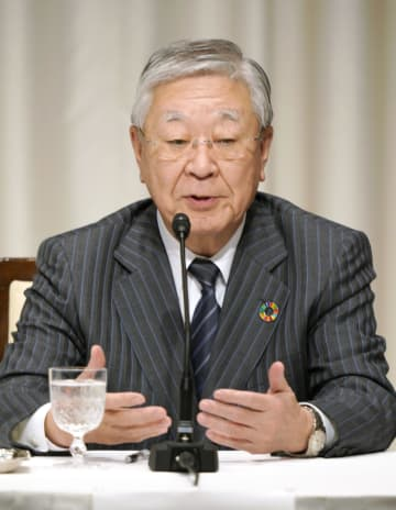 記者会見する経団連の中西宏明会長=7日午後、東京都内