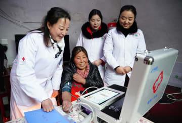 貧困世帯にホームドクターを派遣 陝西省鎮巴県