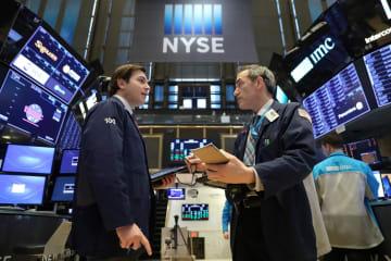 7日のニューヨーク証券取引所(ロイター=共同)