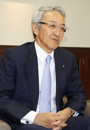 インタビューに答える東京海上ホールディングスの永野毅社長