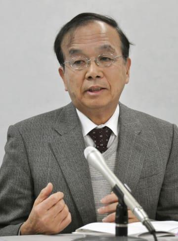 記者会見する遺族側代理人の松丸正弁護士=10日午前、大阪市の大阪司法記者クラブ