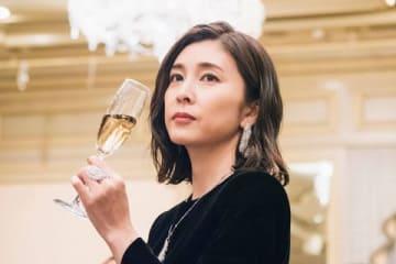 連続ドラマ「スキャンダル専門弁護士 QUEEN」第1話のシーンカット=フジテレビ提供