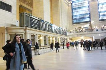 巨大な建築物の基礎と骨格は鋼鉄。これだけの建物を支える基礎工事はニューヨーク史上最大規模