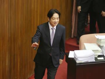 10日、台湾の立法院を訪れた頼清徳行政院長(中央通信社=共同)