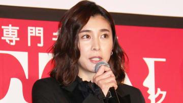 主演連続ドラマ「スキャンダル専門弁護士 QUEEN」の制作発表会見に出席した竹内結子さん