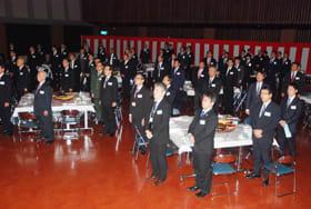 町内外の関係者ら約110人が臨席した白老JC新年交礼会