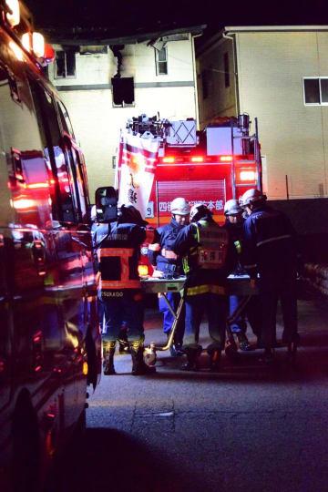 焼け跡から3遺体が見つかった住宅=先月31日午後6時45分ごろ、四街道市小名木
