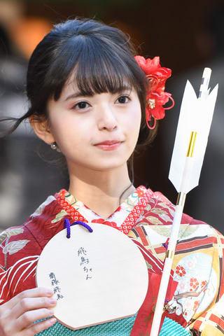 一足早い成人式で振り袖姿を披露した「乃木坂46」の齋藤飛鳥さん