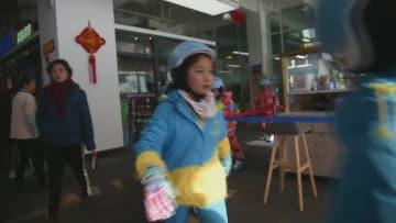 ウインタースポーツの楽しみを学校に 甘粛省蘭州市
