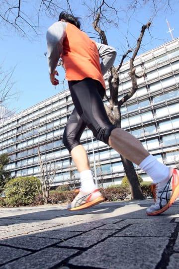 月間120km超でテストステロン減少(C)日刊ゲンダイ