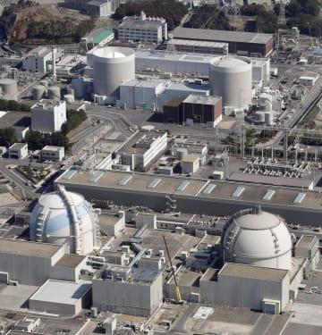 九州電力玄海原発の(左上から時計回りに)1号機、2号機、4号機、3号機=佐賀県玄海町