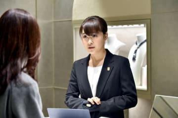 連続ドラマ「グッドワイフ」の第2話にゲスト出演する村上佳菜子さん (C)TBS