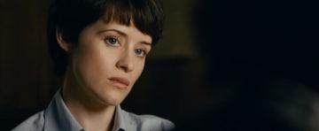 本作で圧巻の演技を見せたクレア・フォイ - (C) Universal Pictures