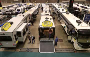 ボートと多目的レジャー車の展示会開催 シカゴ