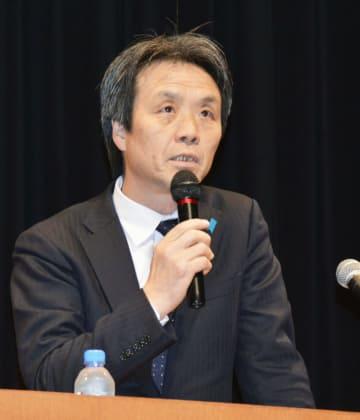 福岡市で講演する北朝鮮による拉致被害者の蓮池薫さん=13日午後