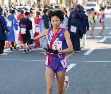 9区区間賞を獲得した東京のアンカー新谷(第8中継所)