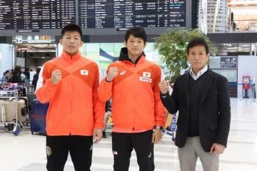 極寒のロシアへ向かった(左から)白井勝太、保坂健、湯元進一監督