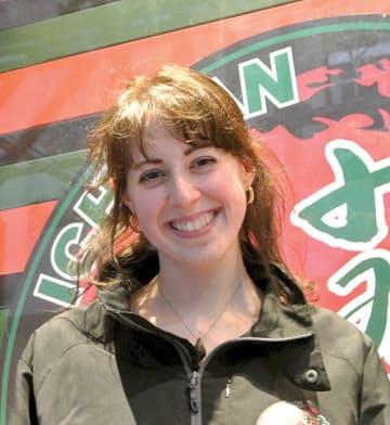 ケイラ・コープランドさん インディアナ州出身。2012年に1年間、日本に留学。18年に一蘭に入社、広報を務める。日韓英独⻄の5カ国語を話すことができる。www.ichiranusa.com