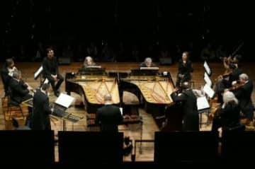 サンサーンスの「動物の謝肉祭(室内楽版)」を演奏するマルタ・アルゲリッチ(ピアノ左)ら©Musacchio-Ianniello-Pasqualini