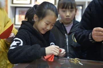冬休み、習い事で充実 甘粛省慶陽市