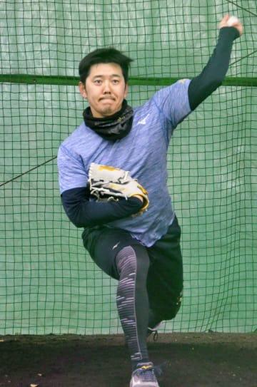 ルートインBCリーグ栃木の練習に参加した成瀬=栃木県小山市