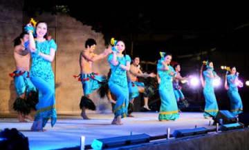 歴史刻め、新たなショー ハワイアンズ 常磐音楽舞踊学院55周年記念